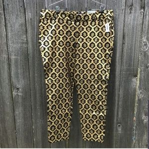 Old Navy Black and Gold Pixie Ankle Length Pants